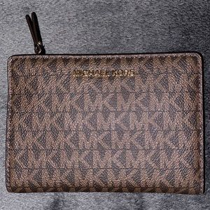 Michael Kors medium logo slim wallet